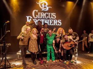 Circus Brothers a kmotři