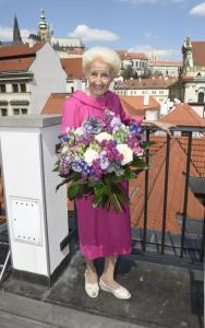 3 Pani Olga Knoblochova FDS2905