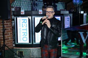 3 Petr Kotvald hostům zazpíval 992A4929-333