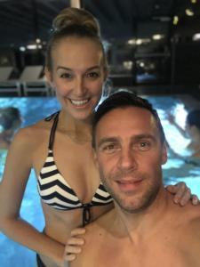 3 a po lyžování zašli  Petra  s Romanem do bazénu IMG 2767
