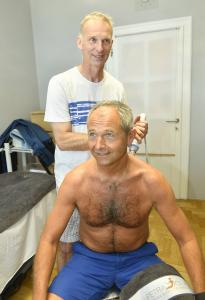 D. Hašek ošetřuje J. Mühlfeita DSC2273