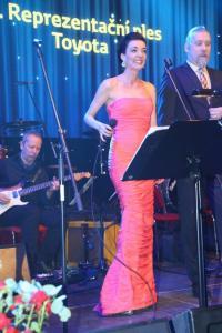 Dasha zpívala s Moondance orchestrem