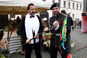 Jaromír Adamec a Tomáš Novotný připravují pomlázku IMG 9145