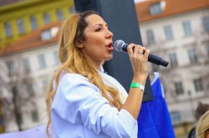 Olga Lounova zpiva hymnu 5R1A5231