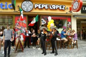 PEPE LOPEZ - průvod Prahou 2