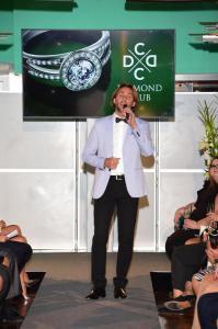 R. Vojtek zpíval i moderoval diamond club 4972