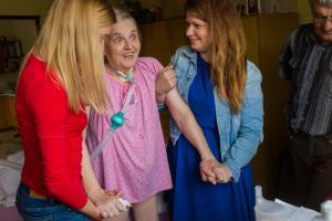pomoc nemocným L9714523 (1)