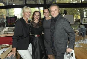predsedkyne sdruzeni Milada Karasova s Janou, Barou a PavlemDSC8206